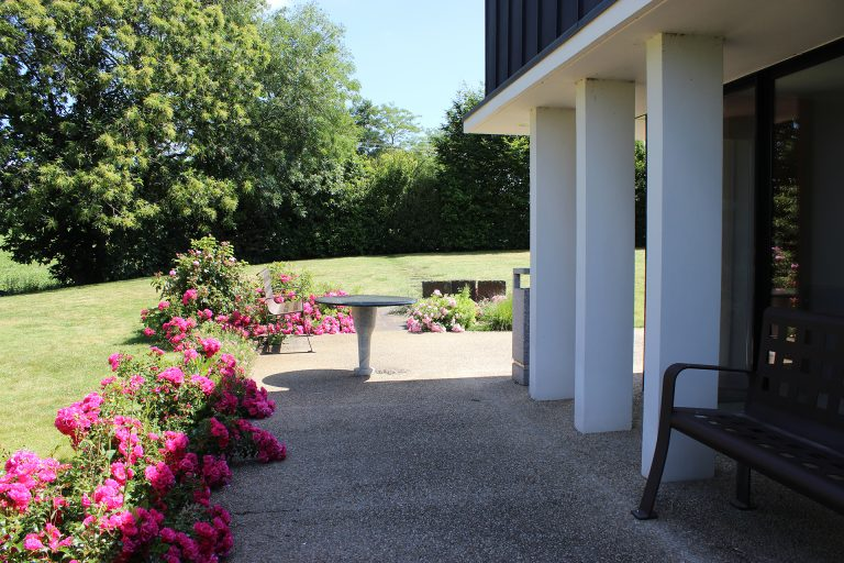 Jardins en fleurs du funérarium - Guesdon Stéphane