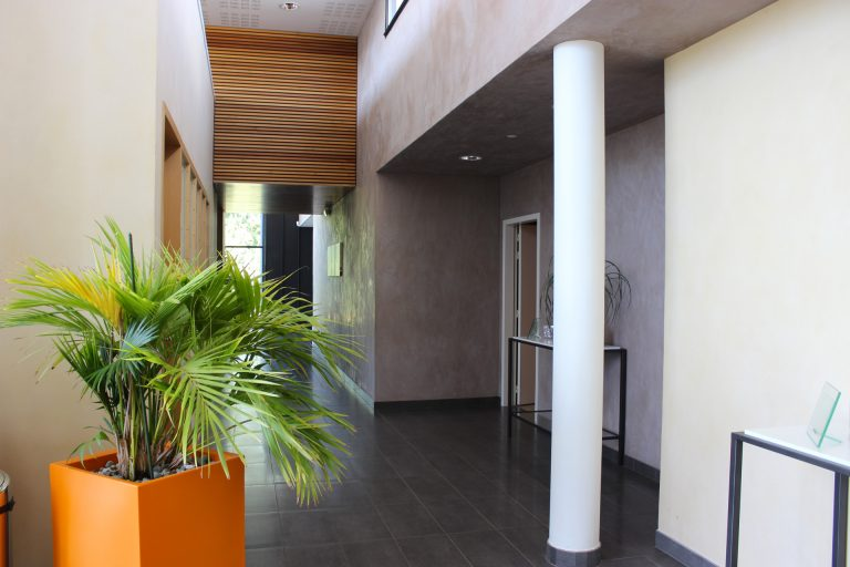 Couloir du funérarium - Guesdon Stéphane
